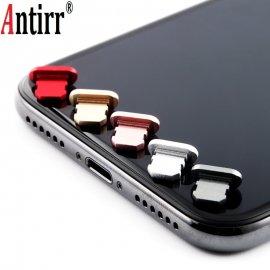 Protiprachová záslepka pre iPhone 8 7 6 6S Plus 5 5s SE, aluminium