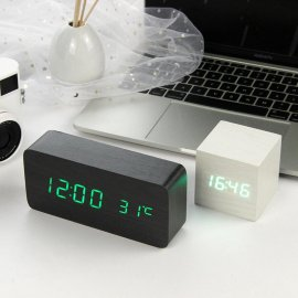 Clock, Alarm Clock LED / Thermometer / Wood + Plastic / USB Cable, (4 x AAA)