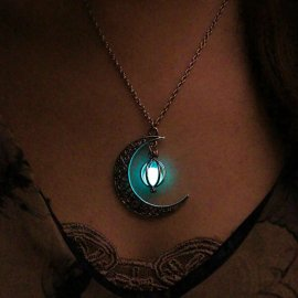 Mesiac žiariace v tme, prívesok s retiazkou / Poštovné ZADARMO!